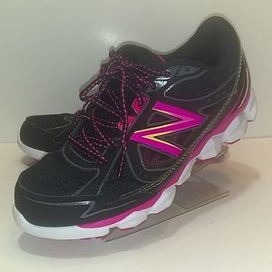 New Balance 750 V3 Running women's sz 8